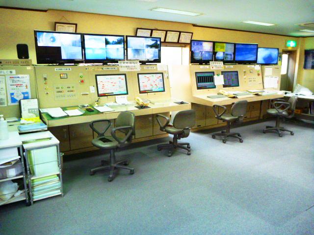 プラント運転室